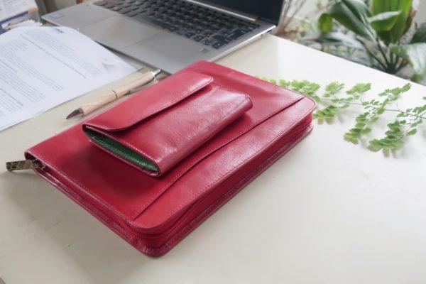 ノートカバー式クラッチバッグ ラウンドジッパー スペイン製 イタリアンレザー使用の手作り財布