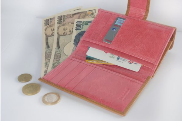二つ折り財布キャメルとピンクのツートンカラー スペイン製 イタリアンレザーの手作り革製品