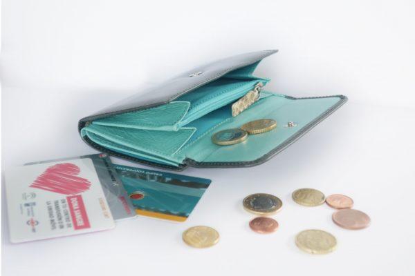 二つ折り財布 イングリッシュとターコイズブルーのツートンカラー スペイン製 イタリアンレザーの手作り革製品