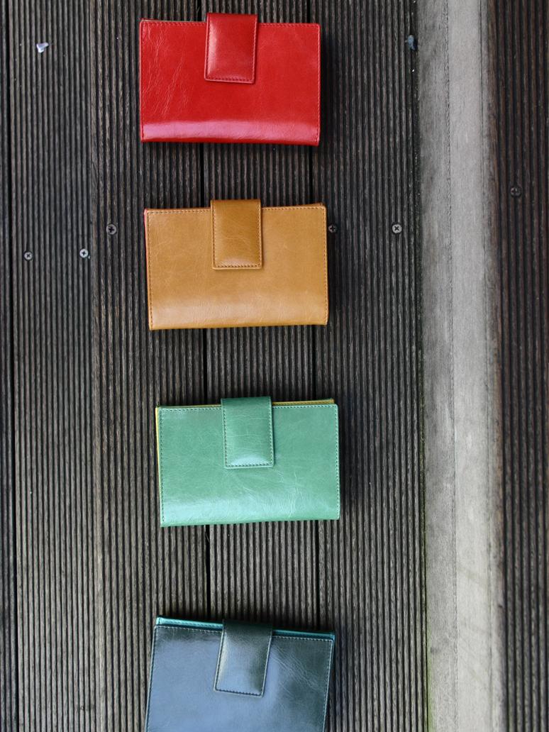 二つ折り財布ツートンカラー